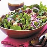 www.gaea.gr Chicken and Spring Greens with Açai Dressing