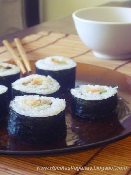 Sushi vegano   Ingredientes   Un paquete de algas para sushi  3 tazas de arroz especial para sushi (lo venden en casas asiáticas...