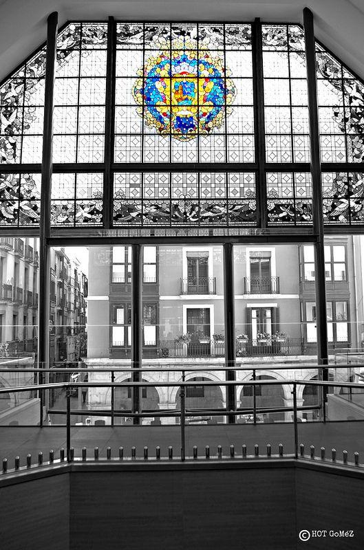 Mercado de la Ribera window II