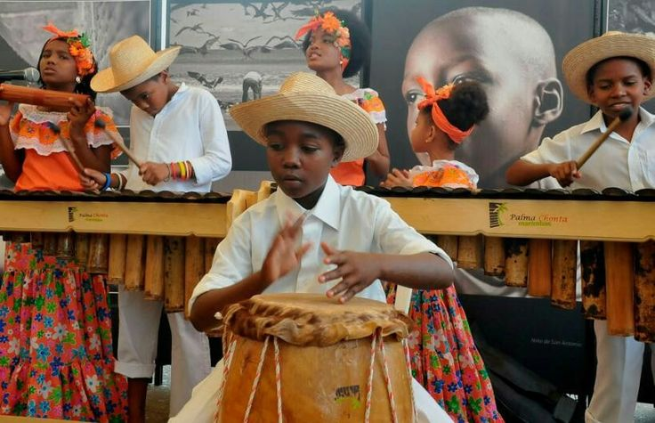 Se cultivan aires musicales como la danza, el son, el currulao y al son de chirimías en el festival folclórico del pacífico.
