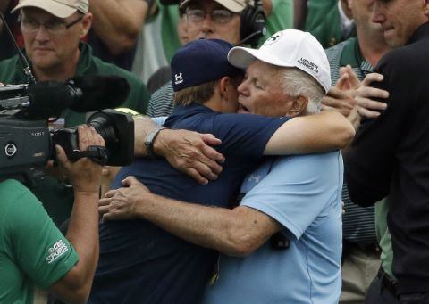Jordan Spieth's biggest prize for winning the Masters – telling his sister he won - Yahoo