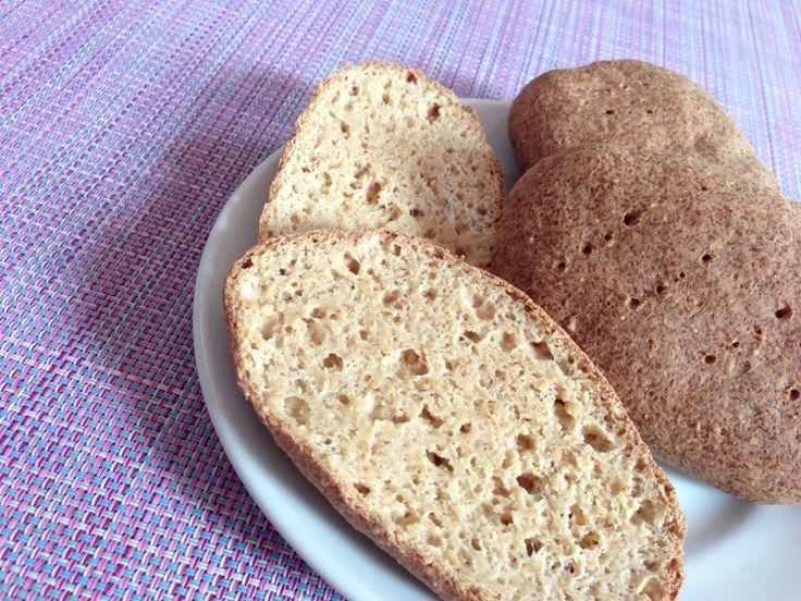 LCHF Brötchen  http://deli-delicio.us/?p=544  super lecker!!!