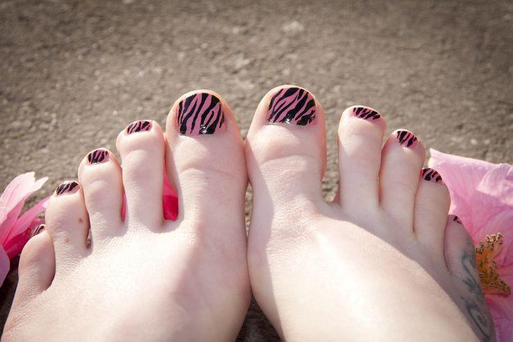pink and black zebra pedicure
