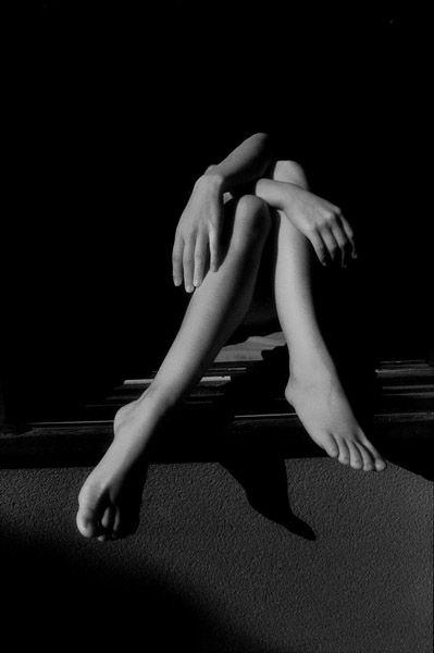 pinterest.com/fra411 #legs - Hisako Sakurai