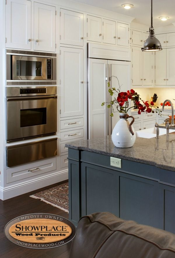 Cabinets: Showplace Cabinetry Fills This Gracious Executive Home