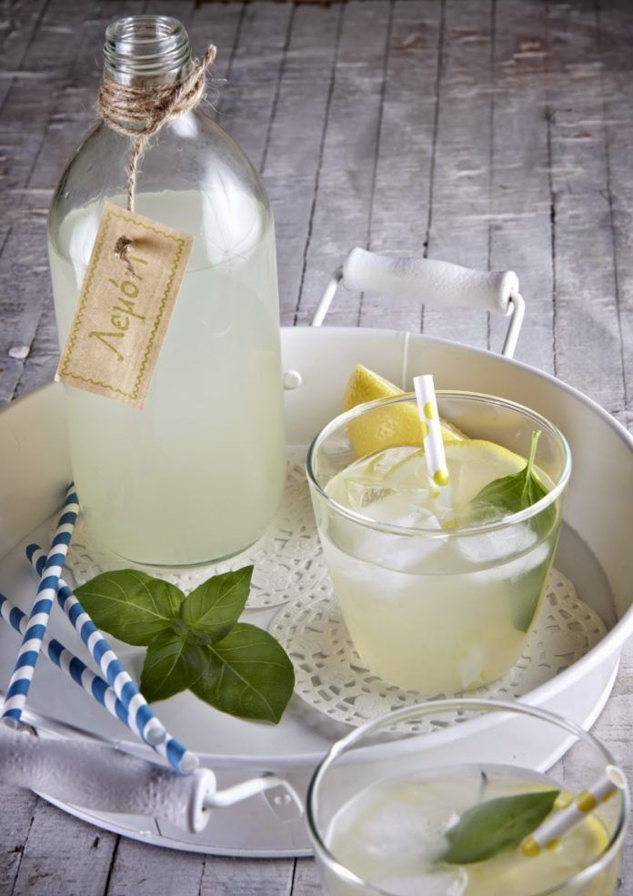 Λεμονάδα με στέβια και βασιλικό (0 μονάδες)