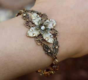 .: Wedding, Jewelry Bracelets, Vintage Bracelets, Flowers Bracelets, Flower Bracelet, Gold Rings, Vintage Beautiful, Vintage Flowers, Vintage Jewelry