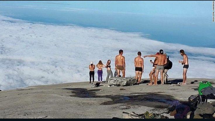 Malasia Detiene A Turistas Por Desnudarse En El Monte Kinabalu