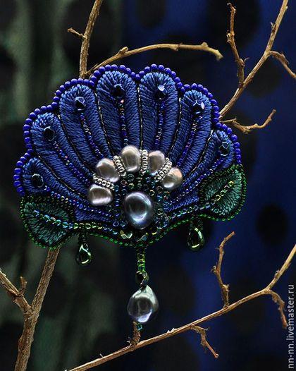 Embroidered brooch / Броши ручной работы. Ярмарка Мастеров - ручная работа. Купить Нимфея. Брошь с вышивкой синяя зеленая. Handmade. Вышитая брошь