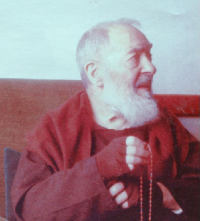 Close encounters of a special kind of Padre Pio with the Virgin Mary. The Rosary.