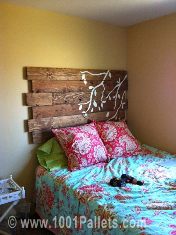 DIY Headboard Crafted from a Pallet http://sulia.com/my_thoughts/2c15b963-69bf-4a72-9fc7-642f817e611d/?source=pin&action=share&btn=small&form_factor=mobile