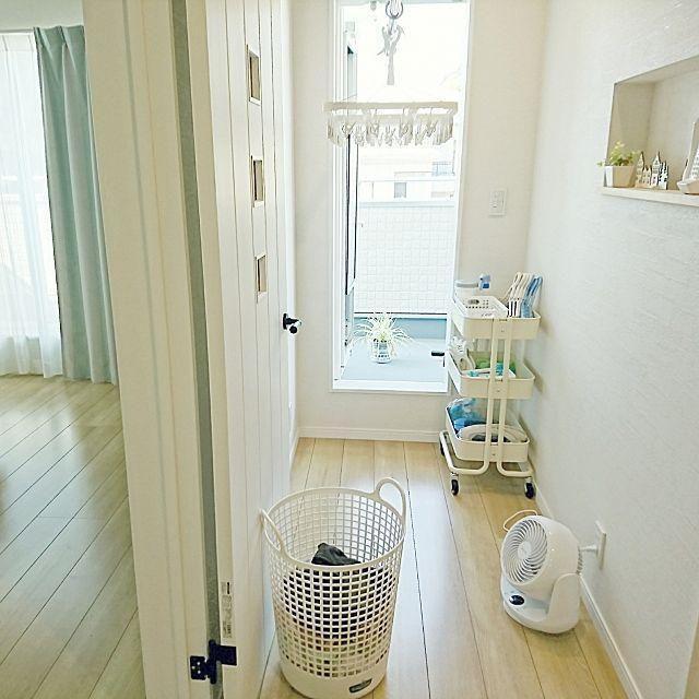 こんな工夫で便利&快適に!こだわりの洗濯スペース10選   RoomClip mag   暮らしとインテリアのwebマガジン