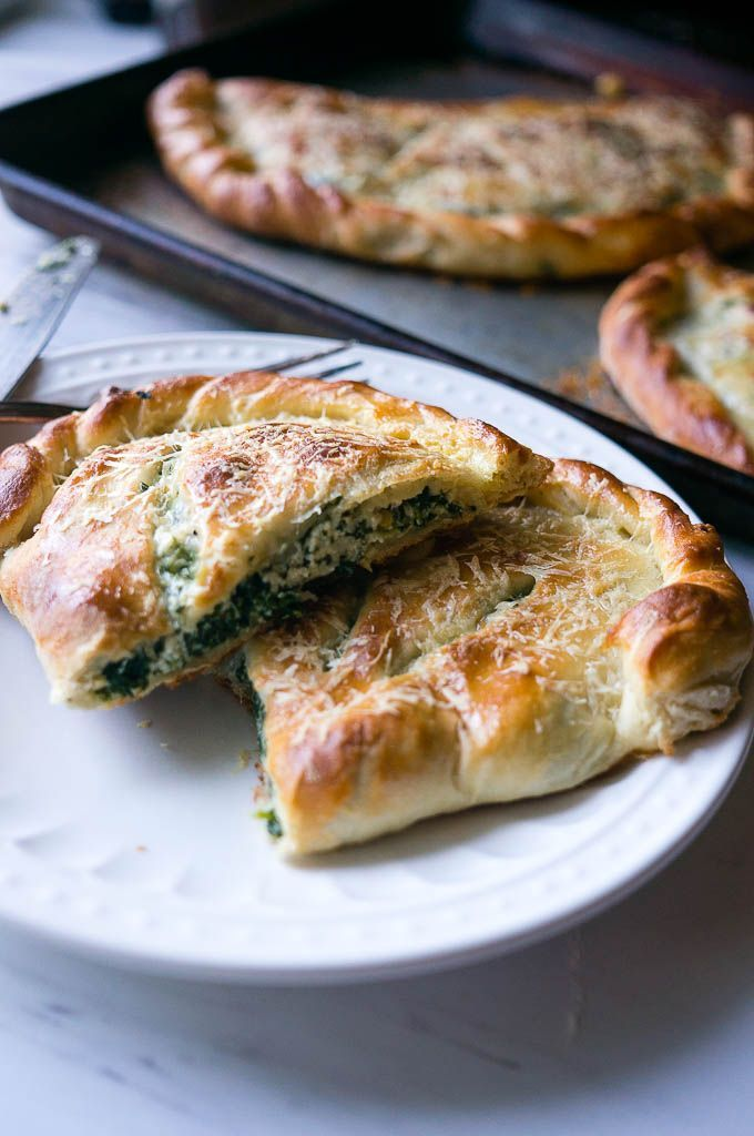Ricotta and Spinach Calzones. A cheesy vegetarian calzone to ...