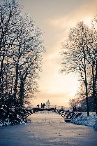 Schloss Charlottenburg, Berlin, Germany (by Ole Begemann) - so immensely pretty! #winter #snow #serenity