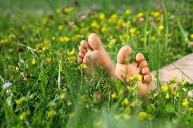 in het gras liggen - niets doen