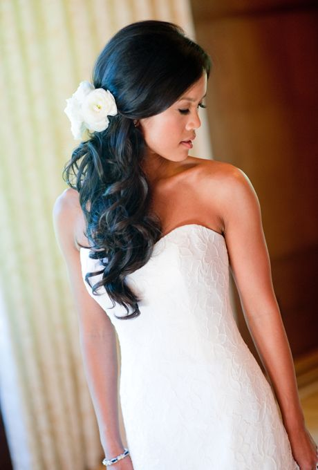 Brides: Wavy Side Ponytail with White Roses. Photo:  Shelly Kroeger Photography