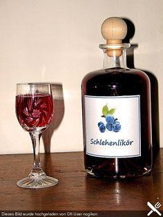 Schlehenlikör, ein raffiniertes Rezept aus der Kategorie Getränke. Bewertungen: 15. Durchschnitt: Ø 4,5.