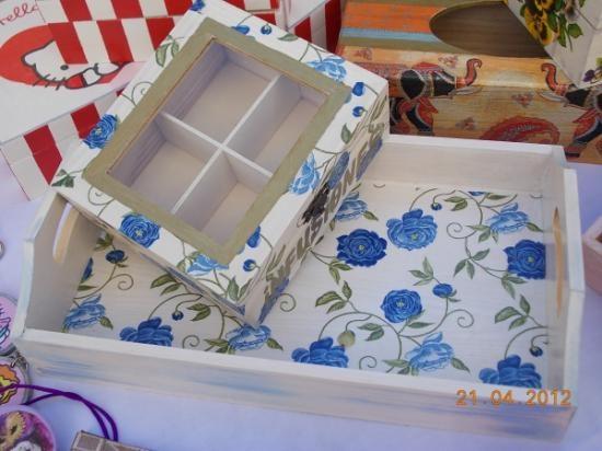 juego de infusiones peonias azules  madera de pino,papel de arroz,pinturas acrilicas decoupage