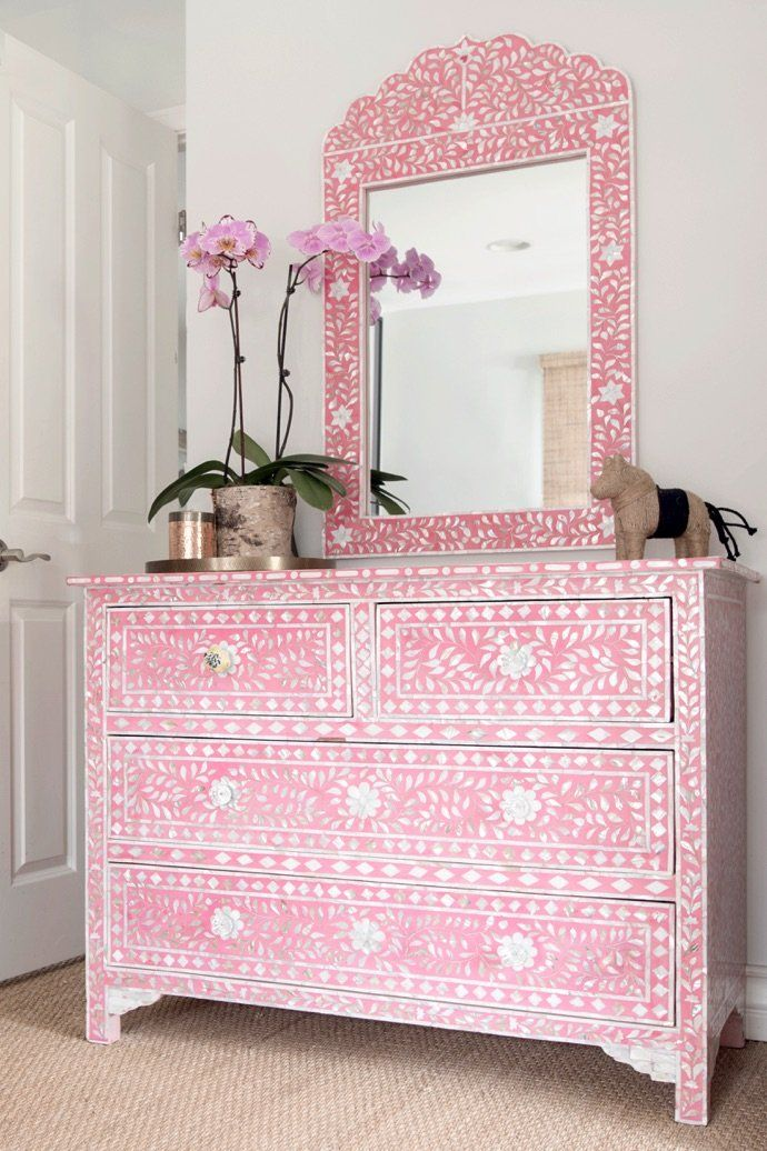 best 25 pink dresser ideas on pinterest pink furniture shabby chic girl room and shabby chic. Black Bedroom Furniture Sets. Home Design Ideas