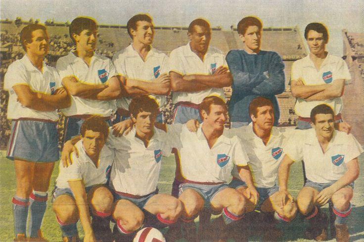 1967 Nacional de Montevideo - Cincunegui, Juan Martín Mujica, Julio Montero Castillo, E.Alvarez, Dominguez, Manicera, Urruzmendi, Viera, Celio, R.Sosa, Julio Cesar Morales.