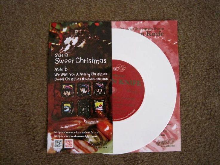 SHONEN KNIFE - Sweet Christmas Το ποπ-πανκ γκρουπάκι απο την Ιαπωνία, μετράει 21 σχεδόν χρόνια μουσικής πορείας, ενώ, έχει και 19 δίσκους στο ενεργητικό του...