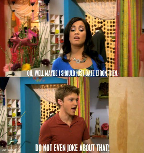 Oh my gosh I miss this show so much. When sonny (Demi lovato) and chad (sterling night) were the cutest on again off again couple!