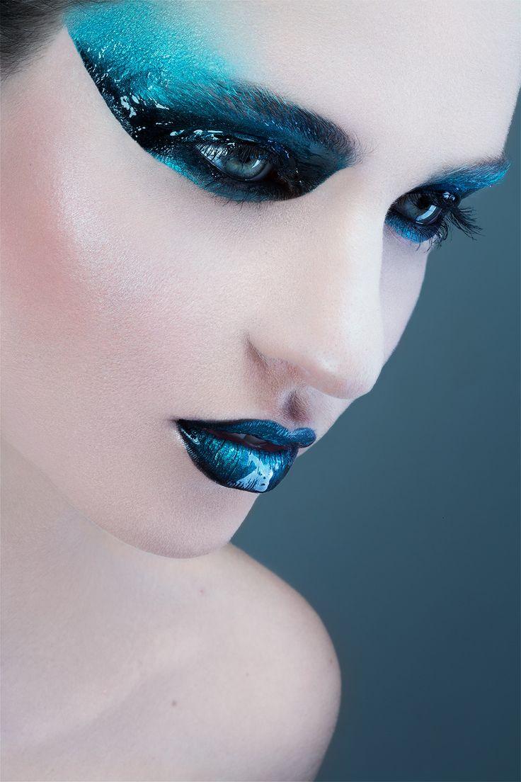 Maquilleuse Professionnelle Toulouse,  Julie Roux Maquilleuse, Lèvres Bleues, Blue Lips - Make Over Me Julie Roux Maquillage Toulouse