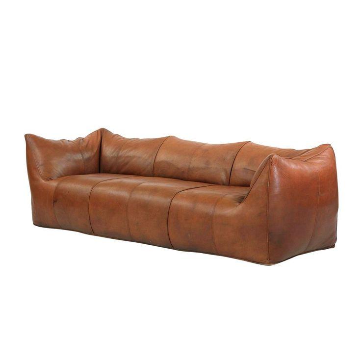 Saccosekken er tilbake! Mye finere enn på 80-tallet, og litt dyrere ... Sofa, Le Bambole '07, design Maria Bellini for B&B Italia, 75 195 kr, Expo Nova.