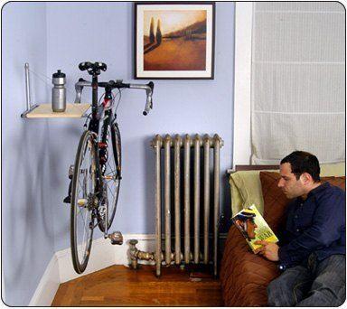 / 商品說明及故事 / 心愛的腳踏車放在外面,怕容易髒、怕被偷?? 放在家裡頭,又怕輪胎會弄髒地板、沒地方擺??  Single Bike壁掛式置車架,能輕鬆解決您的問題。只要鎖上兩根螺絲,便可將您愛心呵護的單車,輕鬆地放入家中。上方的木板平面可放置安全帽、水壺、一些相關的物品。當你準備騎車外出時,...