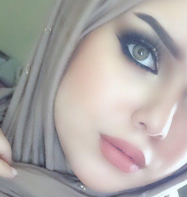 Pin By ــڛ ــۏڷــۃ On Outer B Aut Arab Beauty Muslim Beauty Beautiful Eyes