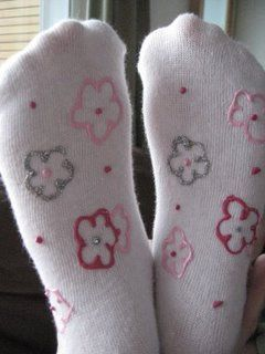 Scribbit | A Blog About Motherhood in Alaska: Valentine's Crafts: Non-Skid, Full-of-Love Socks