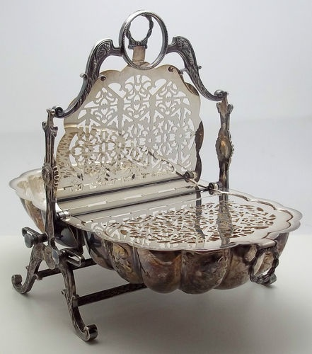 English Silver Plate Bread Bun Warmer Stand Sold for $455.00 & 451 best Silver images on Pinterest | Antique silver Ticks and Carafe