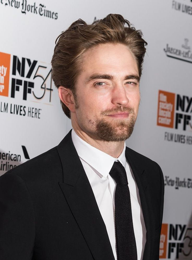 Robert Pattinson at The Lost City of Z Premiere 2016 | POPSUGAR Celebrity