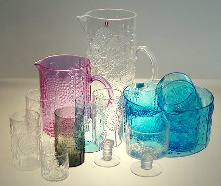 Jus got a jug and a bowl clear ones by Oiva Toikka.