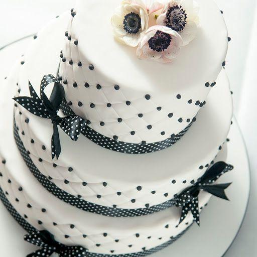 tort weselny z Cukierni Krakowskie Wypieki