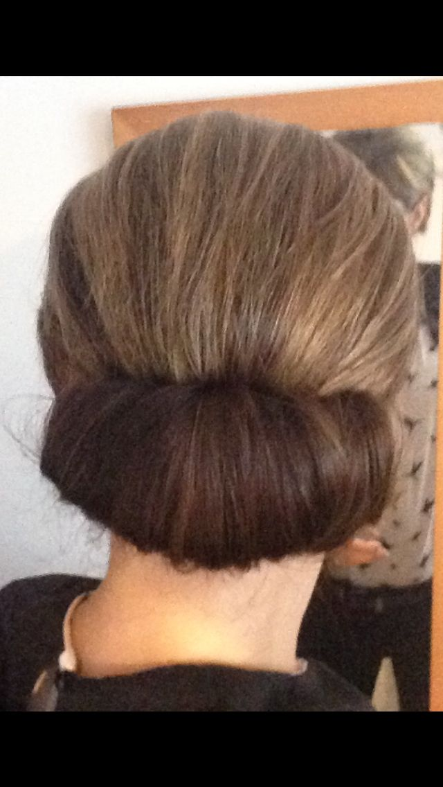 9 Best Vertical Roll Hair Images On Pinterest Coiled Hair French Twists And Rolled Hair