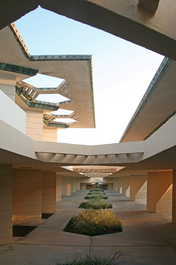 Frank Lloyd Wright's Florida Southern College | Credit: Robin Hill ©