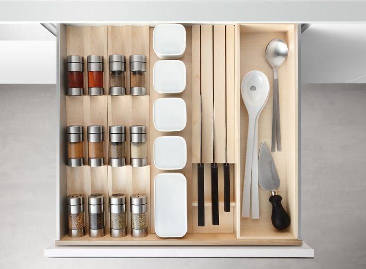 Poggenpohl Accessories   Drawer With Spice Shaker Bank, Spice Jar Bank And Knife  Block   Maple