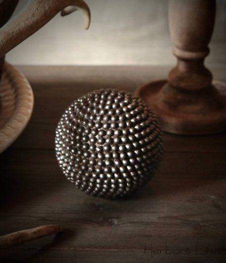 Authentieke Petanque bal met spijkers