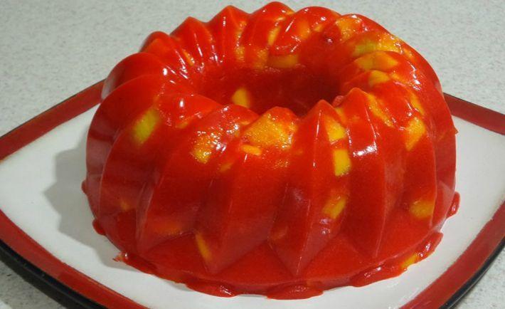 La gelatina de mango con chamoy es muy original, no creo que fuera de México conzcan esta delicia. Pero si eres de los que tienen un estomago fuerte y le g