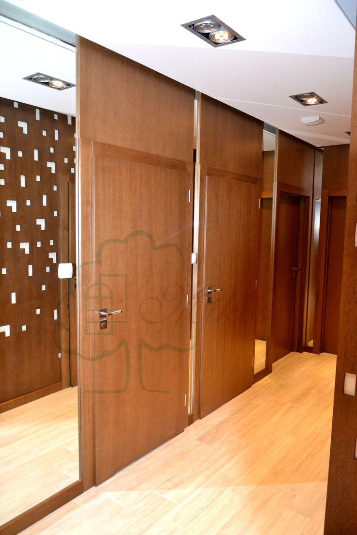 Drzwi wewnętrzne z nadstawkami drewniane