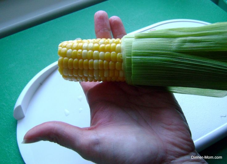 Microwave Corn on the Cob in Husk - Super Easy and No Silk - The Dinner-Mom-I tried this and while it is much easier  to remove silk, still had more than the Dinner Mom...a video might help.
