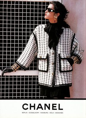 Chanel jacket pockets 1990 – Nelida Gari