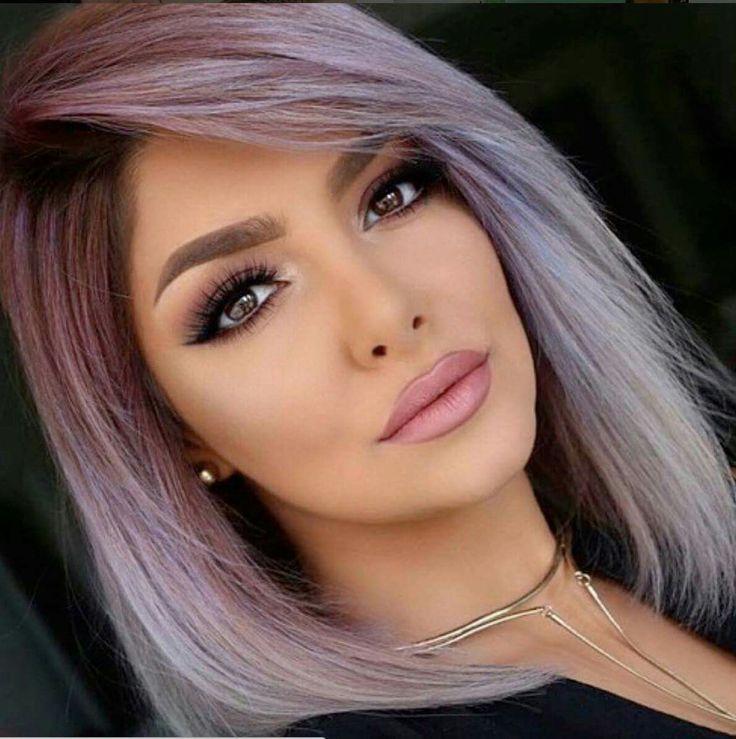 I like her eye makeup.