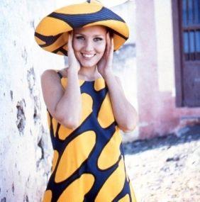 Jurk en hoed, Annika Rimala