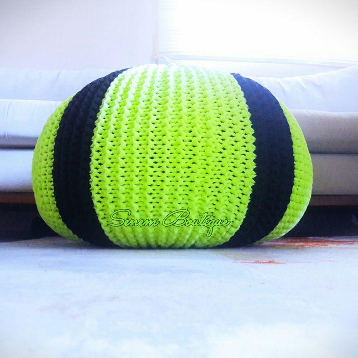 Akif Beyin Neon Pufu Hazır . . . #puf #orgupuf #knittingpouf #homemade #homedecor #evaksesuar #pouf #puffe #knit #knitting #madamecoco #crochet #elişi #trapillo #uncinetto #tejer #virka #ganchillo #stricken #etsy #elemeginedestek #10marifet #örüyorsamsebebivar #häkeln #örgü #yarnart #crafty #fiodemalha