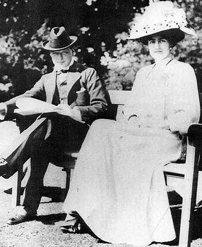 Winston Churchill (1874-1965) with fiancée Clementine Hozier (1885-1977) shortly before their marriage in 1908 - Winston Churchill - Wikipedia, the free encyclopedia
