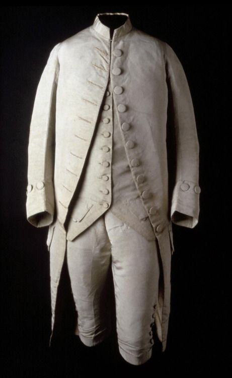 American made suit dating to 1775-1785. Silk faille, cotton/linen plain weave, silk