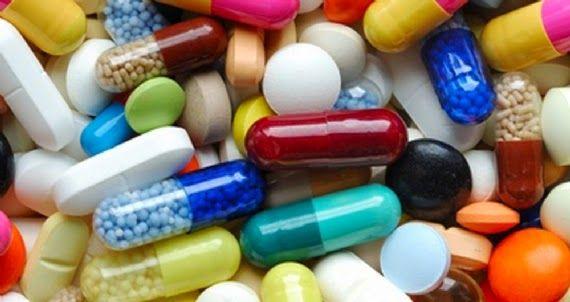 #VitaminlerveGuzellik #AVitaminiCiltBakimi #B3VitaminiCiltBakimi #B5VitaminiCiltBakimi #CVitaminiCiltBakimi #EVitaminiCiltBakimi #KVitaminiCiltBakimi  Vitaminler ve Güzellik    Vitaminlerin güzelliğin en önemli bileşeni olduğunu biliyor musunuz. Her geçen gün kozmetik ürünler biraz daha gelişiyor ve üretilen ürünlerde vitaminler baya önemli bir hal almaya başladılar.   http://www.kadininyeri.org/2014/09/vitaminlerin-guzellige-etkisi.html#more