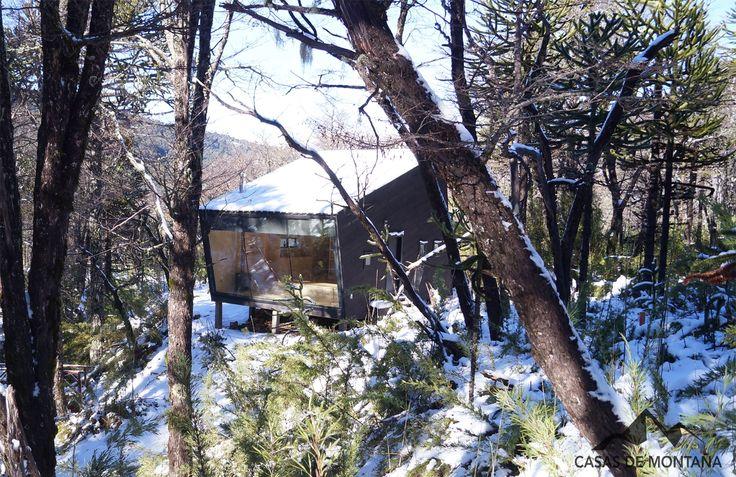 Refugio Cifuentes, este refugio se encuentra camino a Corralco, específicamente a los pies del río colorado. El recorrido desde el camino al refugio es de aproximadamente 200 m. El trayecto se realiza por pasarelas situadas entre Araucarias y Robles, dando inicio a la Experiencia de vivir en un refugio de montaña